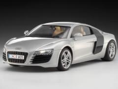 REVELL 67398 Modellbausatz Audi R8 silber mit Basisfarben  1:24, ab 10 Jahre